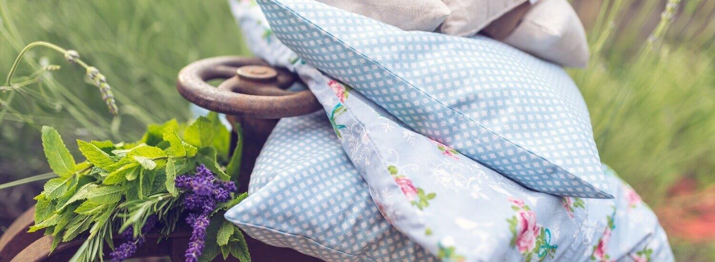 Blazine polnjene s pirinimi ali ajdovimi luščinami in cvetovi sivke